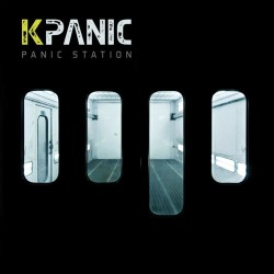 Non lo nascondo, sono parecchio esaltato per Panic Station, questo ep dei perugini Kpanic mi è entrato subito sotto pelle, e sconquassato per mezzo di scorrevoli forme e scariche d'adrenalina […]