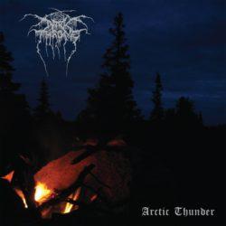 Arctic Thunder, ovvero grezzume alla Darkthrone che fa qualche passo indietro senza snaturare quella strada intrapresa saldamente da anni a questa parte. Un pò di questo, un pò di quello […]