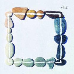 Dove mitigano i dubbi e nascono credenze è il secondo album della post rock/screamo band Dhole. Il disco nei suoi 28 minuti snocciola un concentrato intensivo di sfogo e prelibatezza, […]